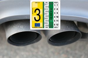 Kontrolná nálepka emisnej kontroly