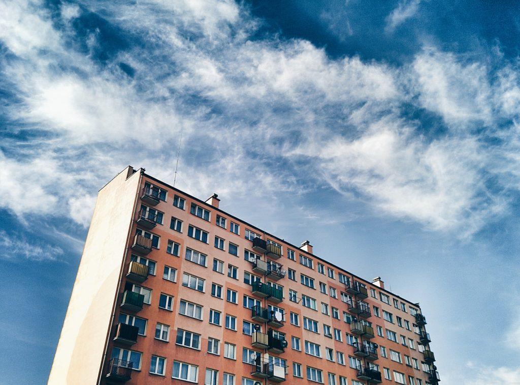 Právo vlastníkov bytov na informácie o účte bytového domu